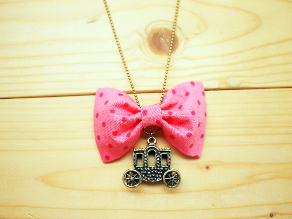 Bow Necklace, Pink polka dot, Carriage