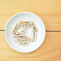 20 Clothespins, wood clip, Small size